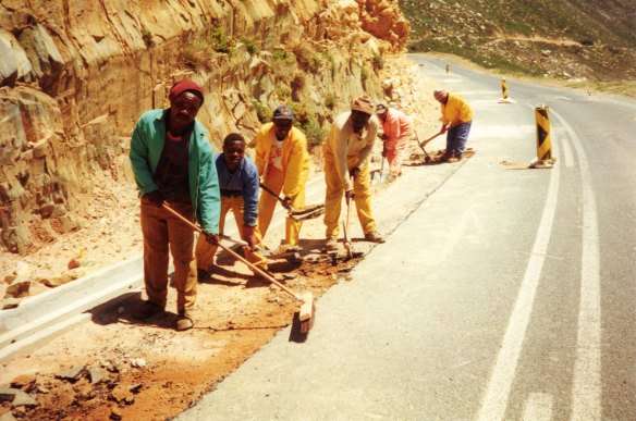 Workers on Gordons Bay to Rooi Els upgrading